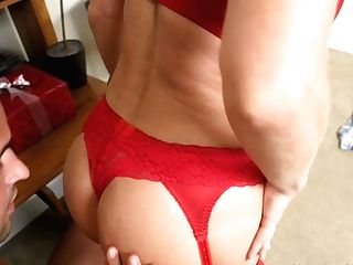 Horny And Huge-chested Cougar Deauxma Acts Like A Harsh Chief
