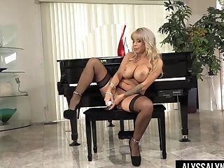Drop Dead Gorgeous Cougar Alyssa Lynn Shows Big Tits And Masturbates Cunt