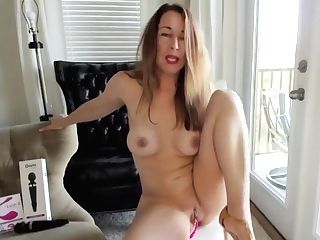 When Sexy Cougar Mommy Cums And Orgasms She Sees God And Wails