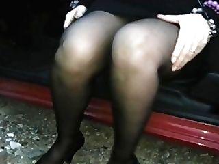 Lady G. Pantyhose Pissing