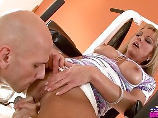 Shayla Laveaux Gets A Workout From Johnny Sins