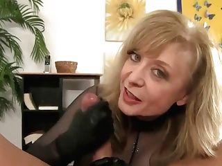 Horny Stepmom Jerking