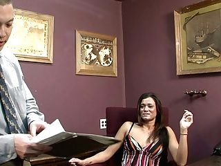 Impressively Perverted Nymphomaniac Loves To Have Fun With Her Paramour's Dick
