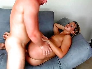 Mummy With Obese Booty Brianna Beach Gives Her Head And Gets Fucked